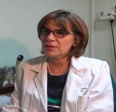 Dra. Ingrid Urbáez, oftalmólogo del Servicio Médico de la UCV.