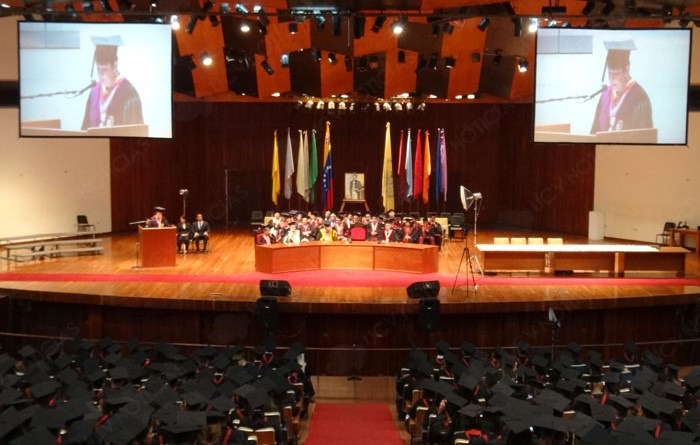 UCV entrega al país 358 profesionales al servicio de las ciencias económicas y sociales