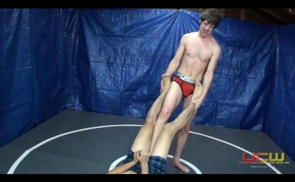 Match 322: Axel Vs. Aron – Strip Match
