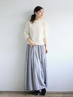 4チェックマキシ丈スカート×白トップス