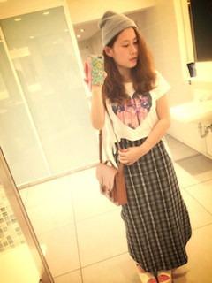 5チェックマキシ丈スカート×プリントTシャツ