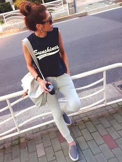 11レディースショルダーバッグ×プリントTシャツ×スウエットパンツ