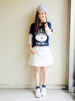 8 UネックTシャツ×長袖Tシャツ×Aラインスカート