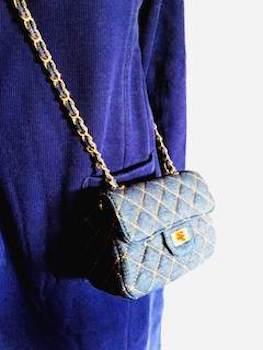 可愛らしいサイズがレディースに人気のミニバッグ