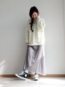 ケーブル編みニット×マキシ丈スカート×ゆるずるコーデ
