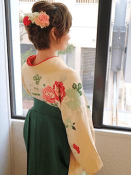 7卒業式で袴に合うポンパドール風のショート・ボブの髪型