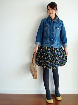タイツ×Gジャン×小花柄ミニスカート