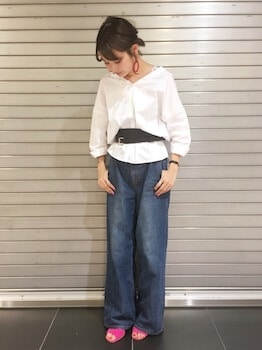 ミュール×スキッパーシャツ×ワイドデニムパンツ
