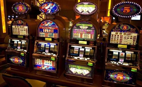 Игровые автоматы с кредитом 5000 тысяч игровые бонусами бесплатно где в волгограде игровые автоматы