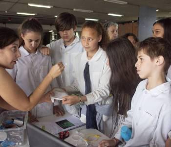 La Facultad de Ciencias impulsa distintos proyectos para trabajar con niños y adolescentes