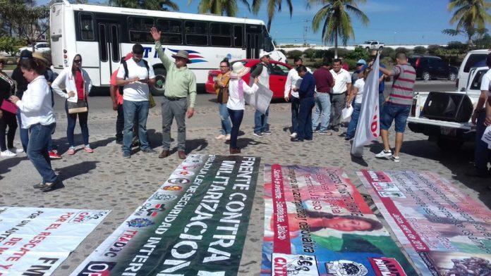 Protestan profesores SNTE Puerto Vallarta