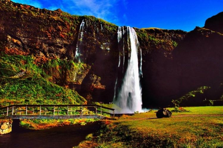 Водопад Сельяландфосс в августе. Фото