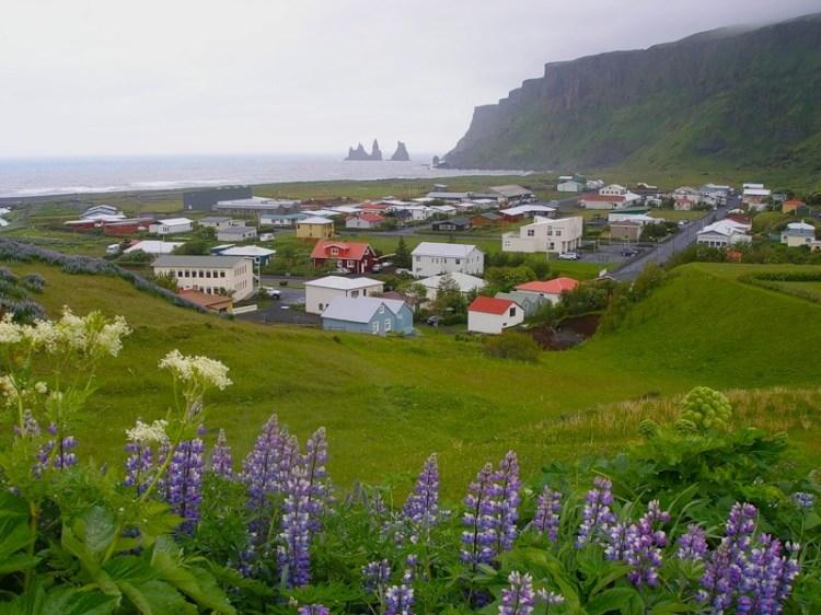 Деревня Вик на юге Исландии. Фото
