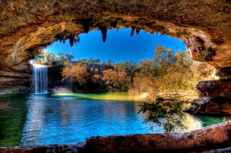 Озеро Гамильтон Пул (Техас, США). Фото / Hamilton Pool photo