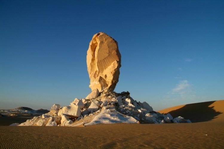 Белая пустыня в Египте. Фантастический пейзаж. Фото