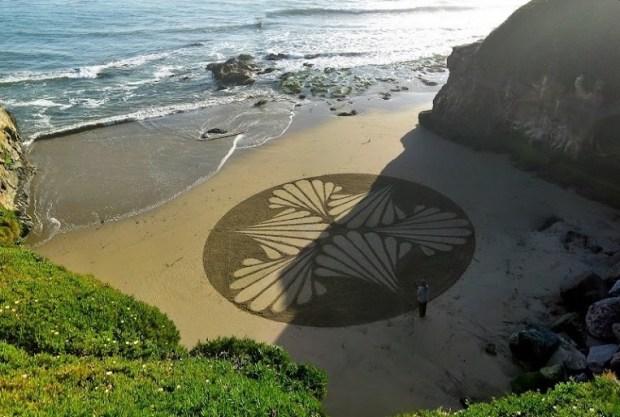 Картины на песке. Андрес Амадор
