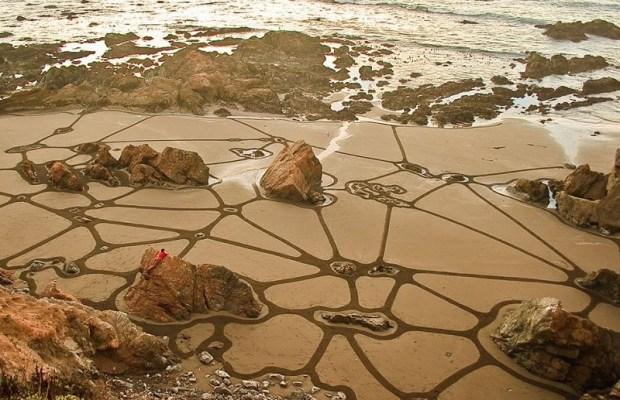Картины на песке от художника Андреса Амадора