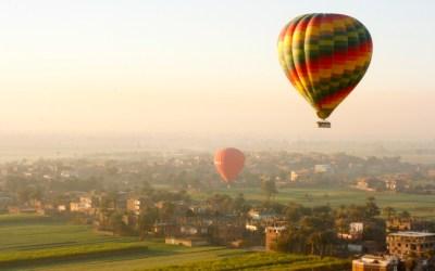 Guddommeligt overblik: Over Luxor i luftballon
