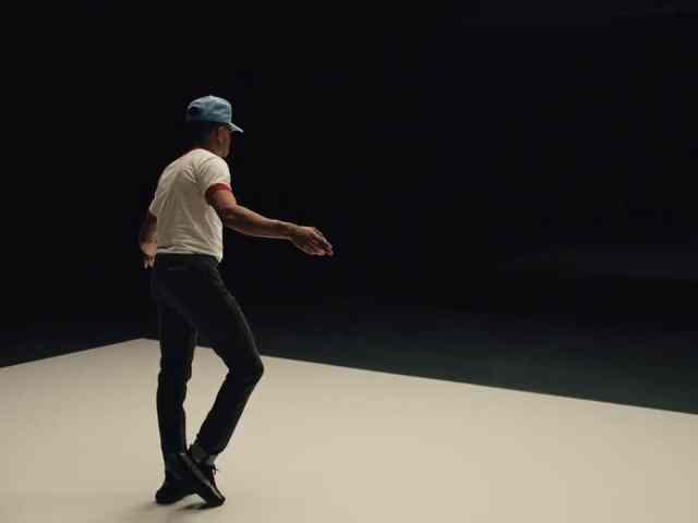 Chance the Rapper dancing in a music video