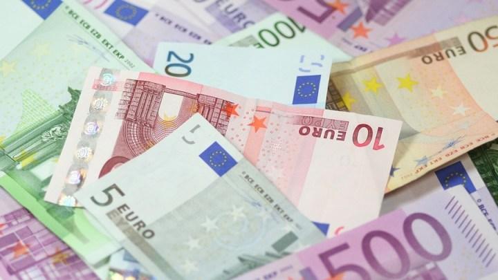 Mitarbeiterin in Geldinstitut verhindert Betrug