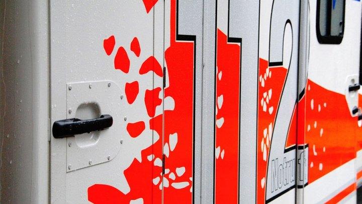 19-Jährige mit tödlichen Verletzungen in Pkw gefunden