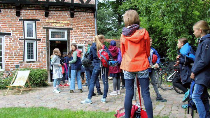 Actionreicher Auftakt: Sommerleseclub für Jugendliche in der Ratsbücherei gestartet