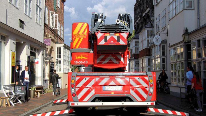 Feuerwehrstellprobe in der Lünertorstraße: Zusätzliche Außengastronomie nur am Kran möglich