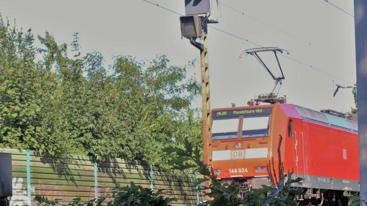 Bahnlärm hautnah beim Wieren2030-Stammtisch im Sommerbad erlebt