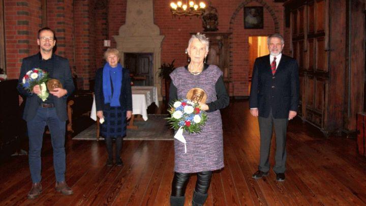 Hansestadt ehrt Gabriele Klipstein und Ulrich Koch mit dem Dr.-Hedwig-Meyn-Preis