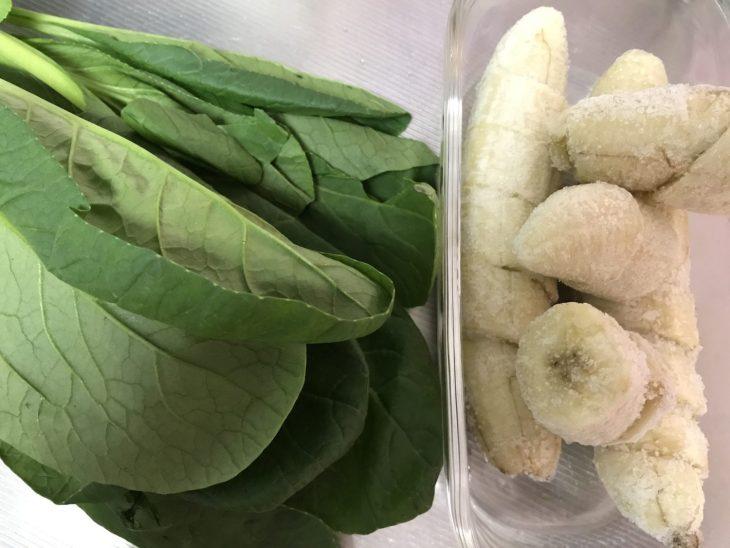 今日のスムージー 2017.07.21. 今日は定番の小松菜とバナナのスムージー