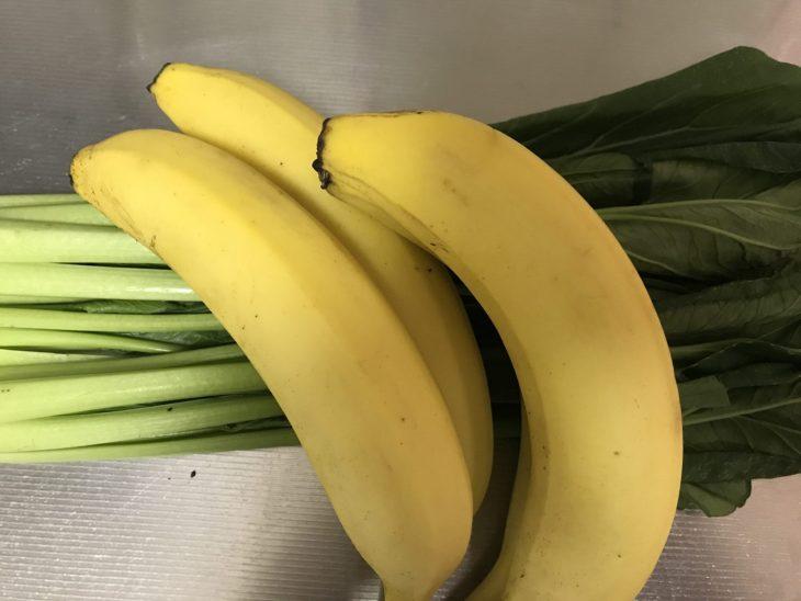 今日のスムージー 2017.08.29. 今日も定番の小松菜とバナナのスムージー