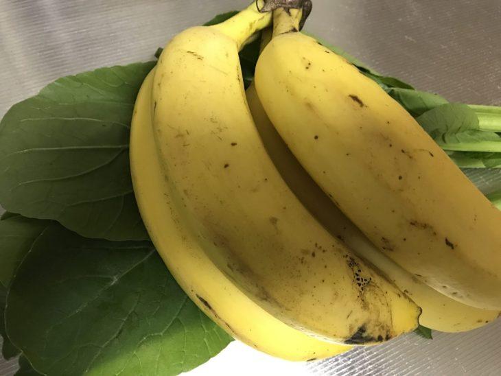 今日のスムージー 2017.10.12. 久々に、定番の小松菜とバナナのスムージー