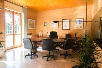 Stanza ufficio Lecce