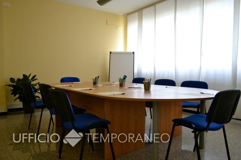 Sale Riunioni Padova : Affitto sala riunioni padova a tempo. sala 12 posti per corsi