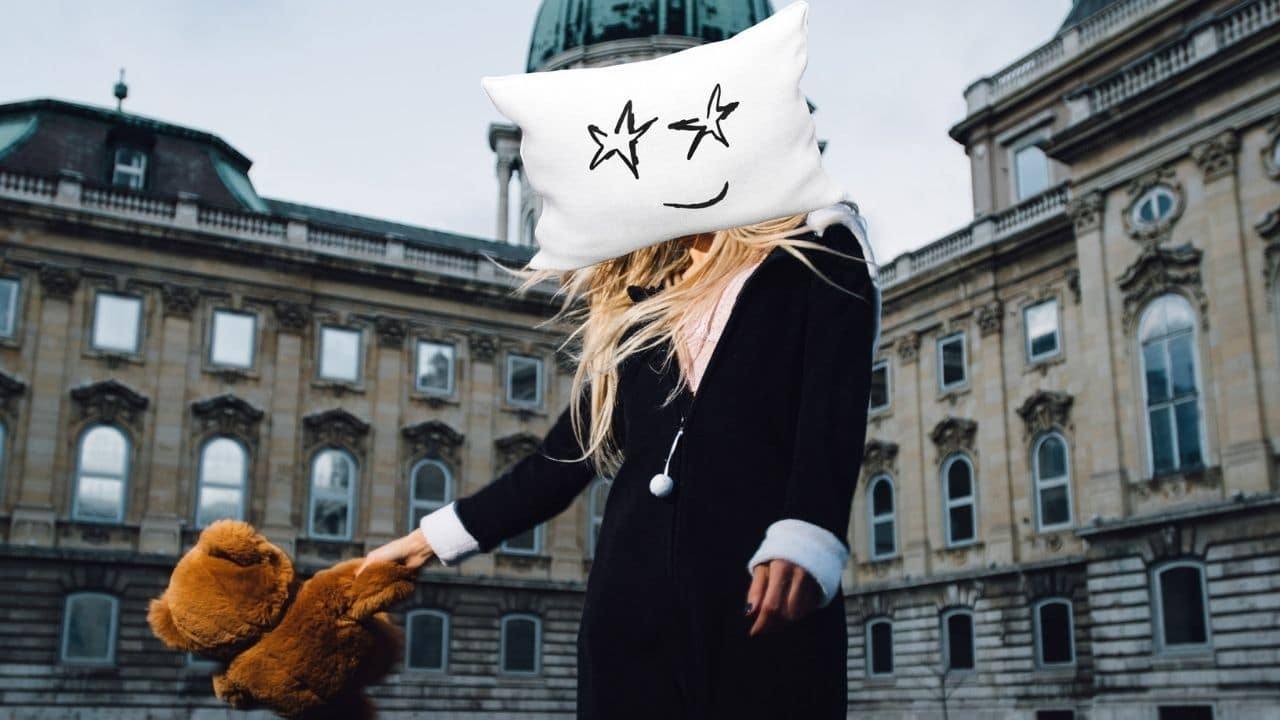 Exclusive Interview with LA Based Artist Pillows