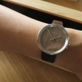【レビュー】VEJRHOJ(ヴェアホイ)の腕時計│自然素材にこだわった北欧デザイン