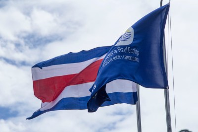 The Costa Rican flag and the Blue Flag, proudly displayed outside Rancho de Lelo.