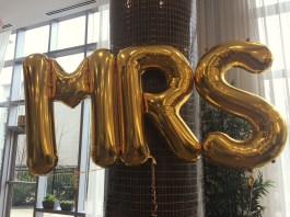 I love these gold Balloons from Balloons on Bloor