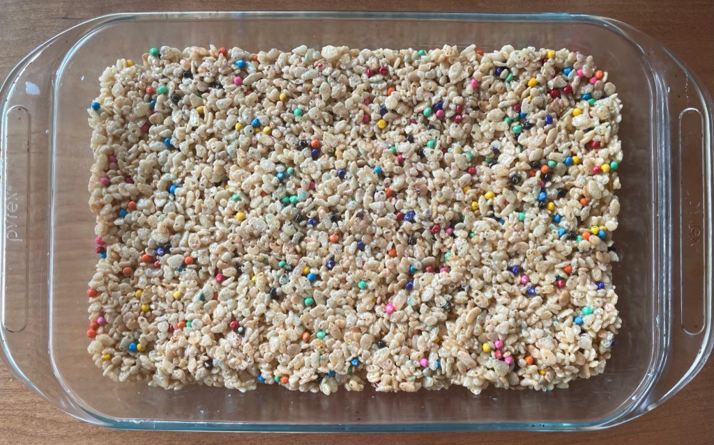 a pyrex baking dish full of this peanut butter rice krispie treats recipe