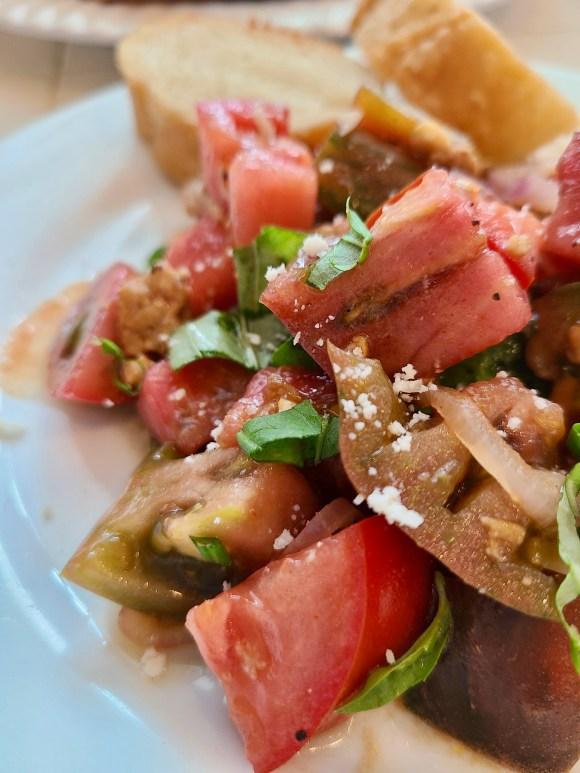 How to Make Heirloom Tomato Salad Vegan