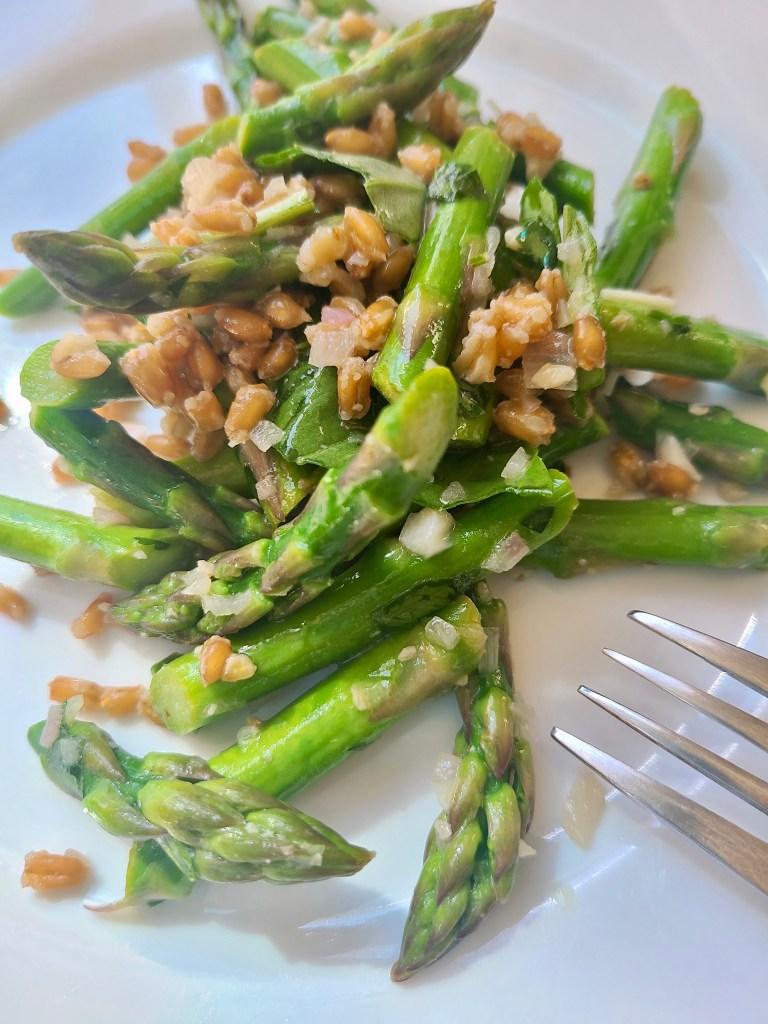 Lemon asparagus farro vegan