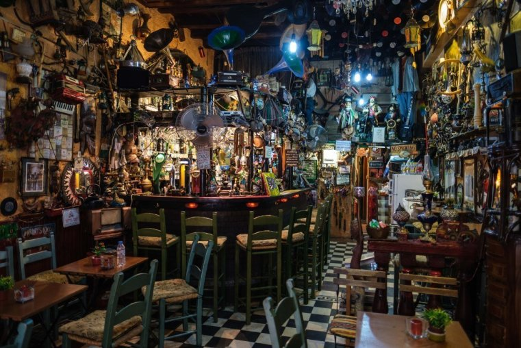 """A really weird """"irish pub"""" in the old town"""