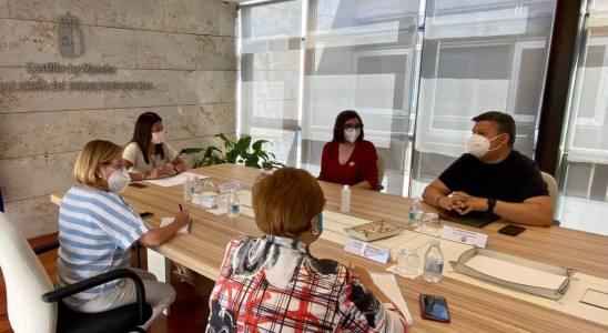 Reunión entre UGT y la consejera de Bienestar Social
