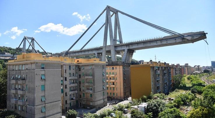 Genova ricorda le 43 vittime