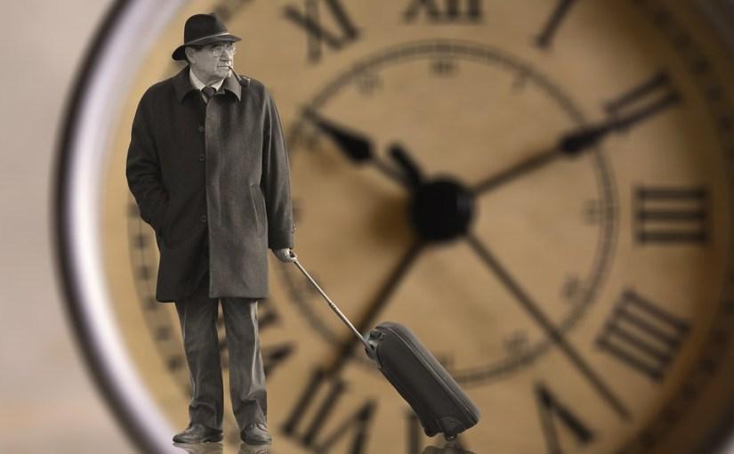 Seine Eigenständigkeit bis ins hohe Alter ein Stück weit bewahren – Die sprechende Seniorenuhr hilft dabei!