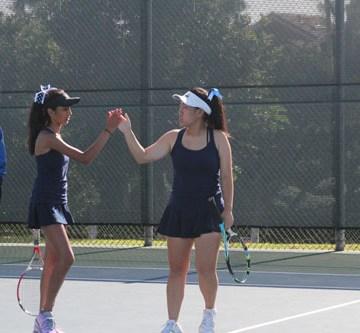 Girls Tennis Defeats Dana Hills 10-8