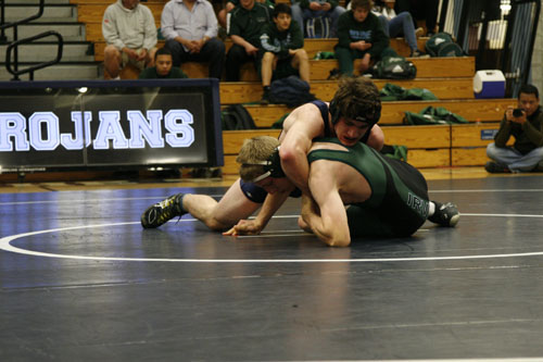 Kaimen Anderson (Sr.) puts his Irvine opponent in a headlock. (R. Sabnis)
