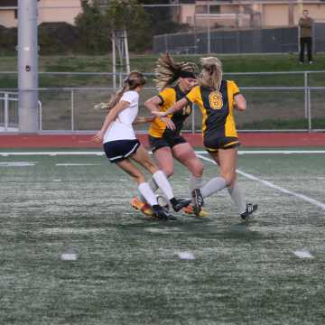 Girls Soccer shut down at quarter-finals by Temecula Valley