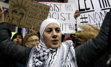 Chaos erupts in response to Trump's ban on immigration
