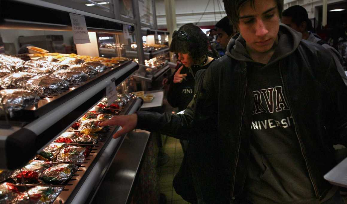 Unappealing cafeteria food fails to promote students' health
